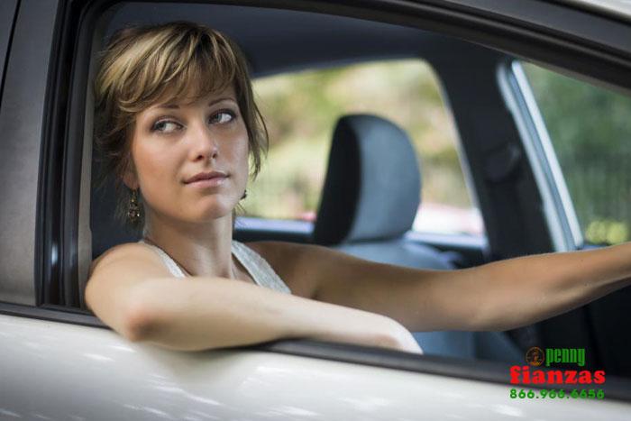Conducción Lenta en el Carril Rápido: ¿Es legal