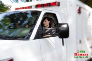 hacerse a un lado por un vehiculo de emergencia